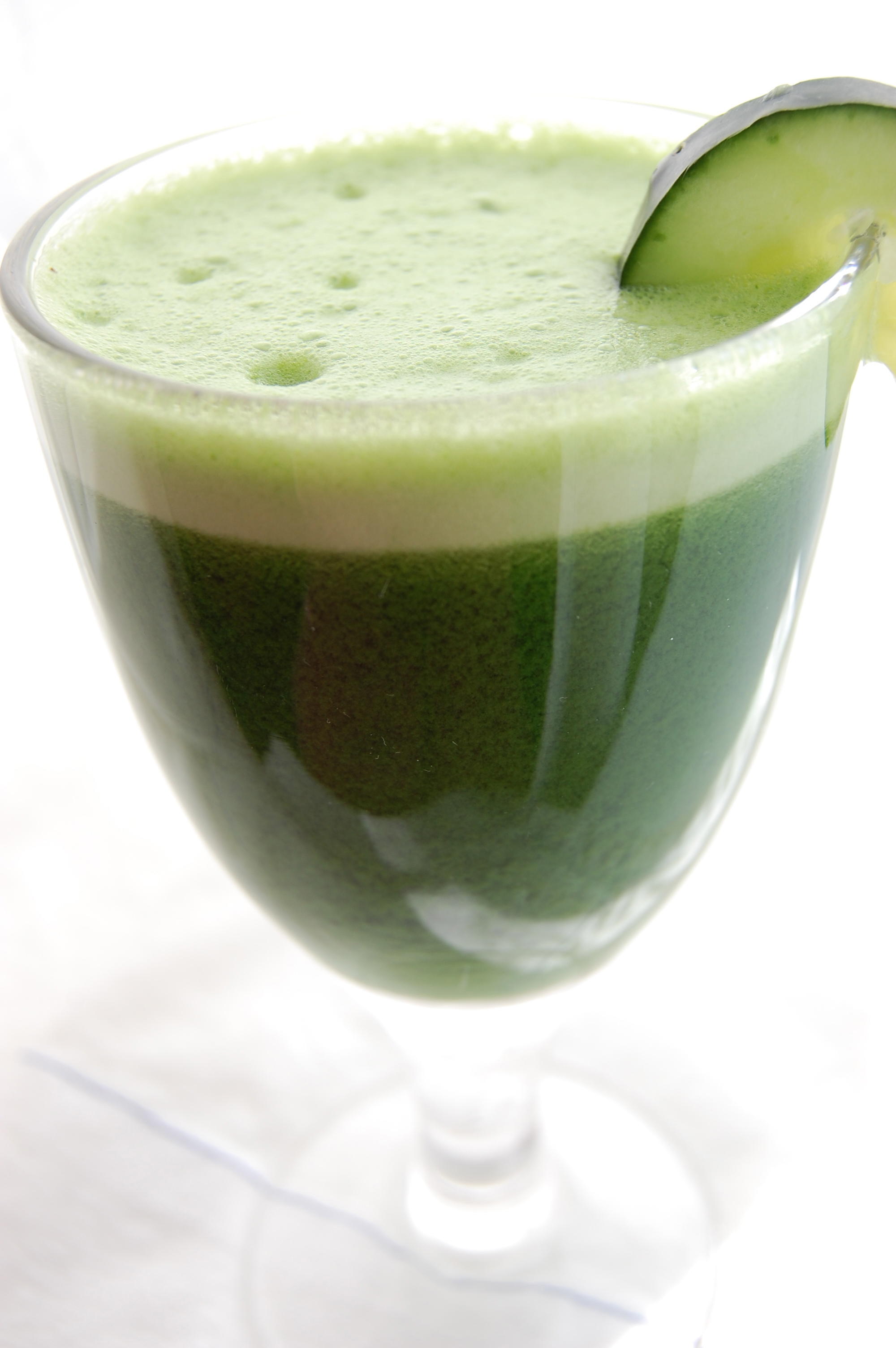 Green Juice! | PrettyGirlsCook by Candice Birdsong