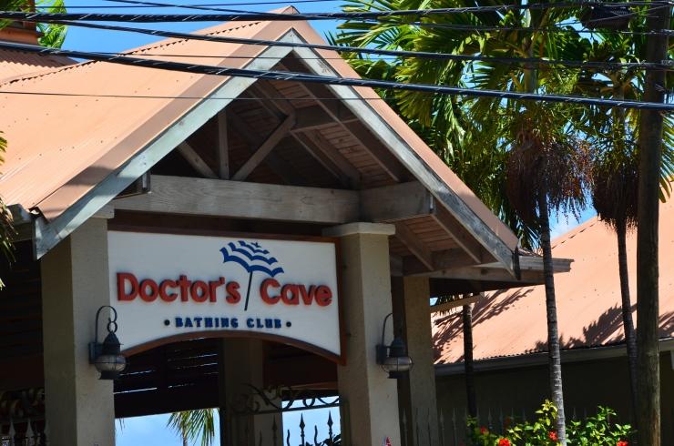 doctors cave beach