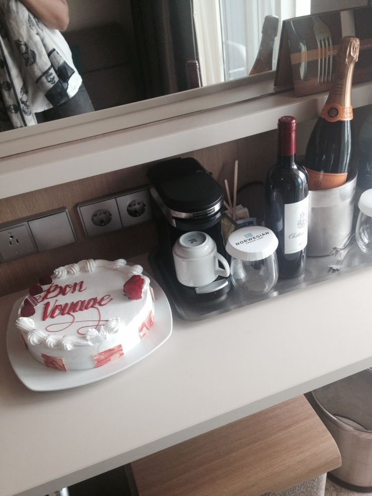 bon voyage cake norwegian getaway