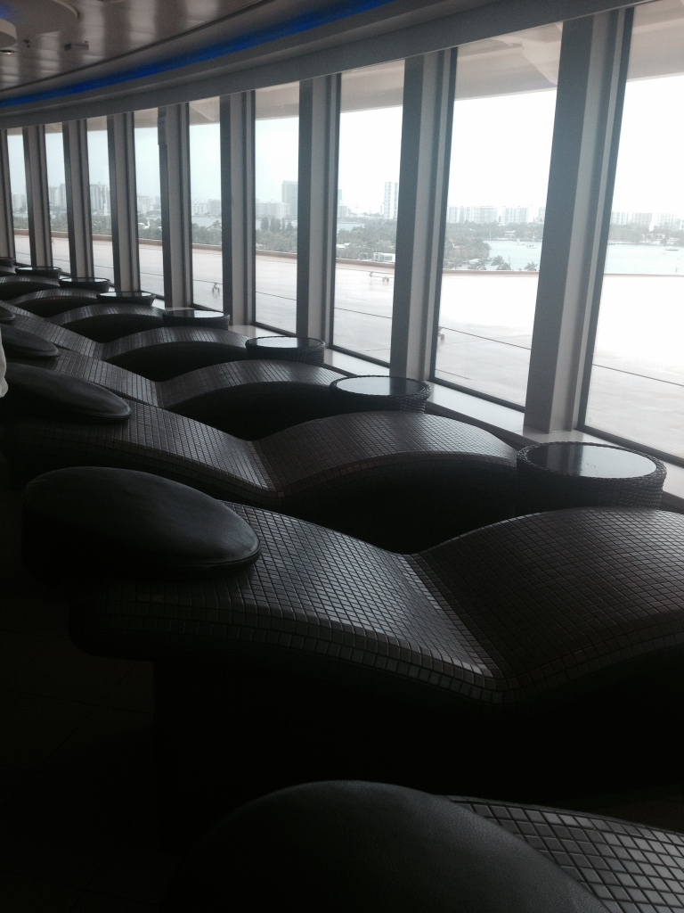 heated lounge chairs norwegian getaway