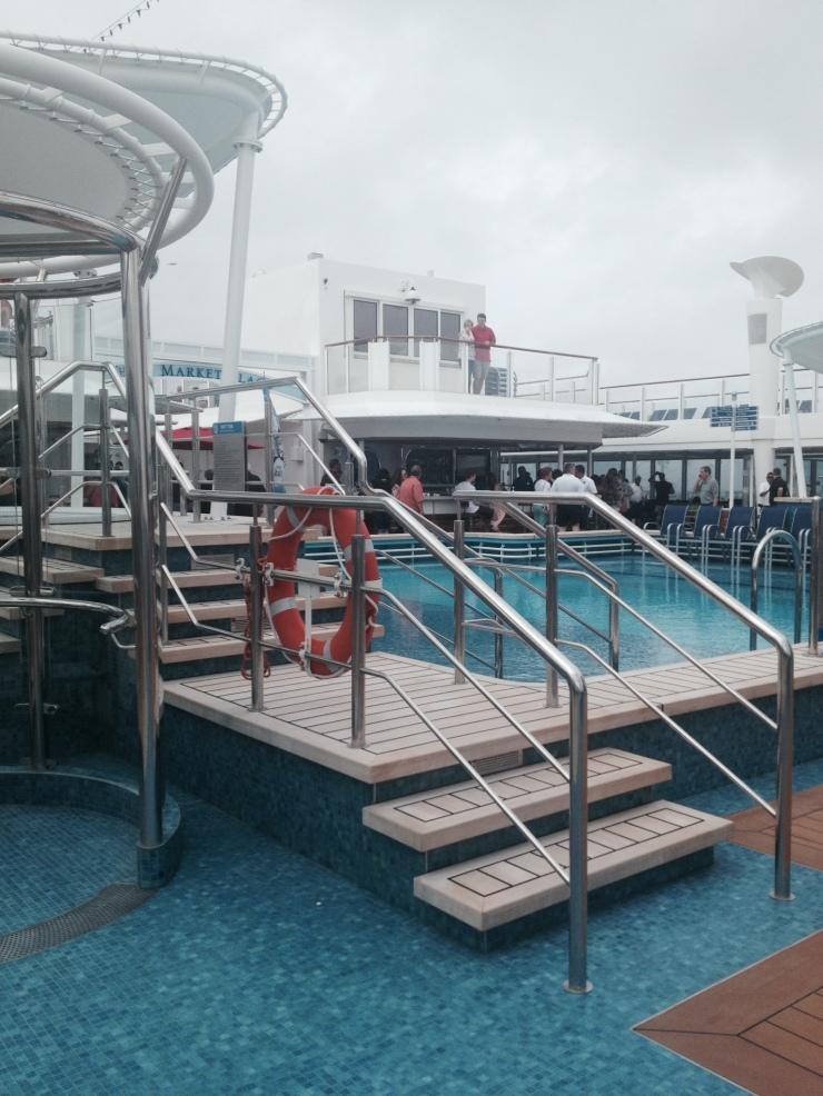 outdoor pool norwegian getaway