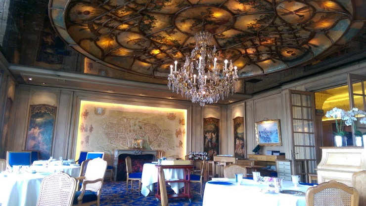 Tour d'Argent Paris dining room